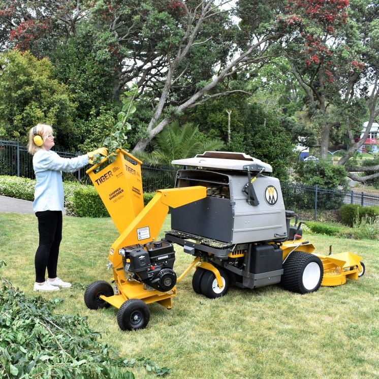 TIGER Chipper Shredder makes work easy, mulch goes straight into the catcher box.